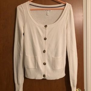 White Aeropostale cardigan with brown buttons